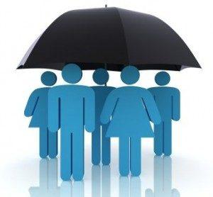 Ľudia pod dážďnikom